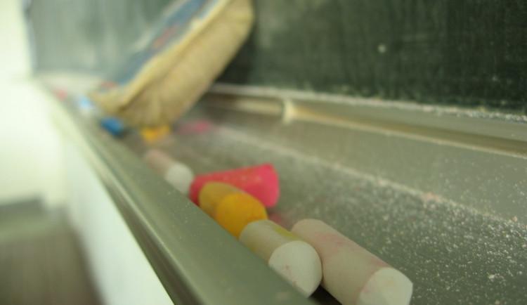 Poslanci projednají výjimky pro nekvalifikované učitele