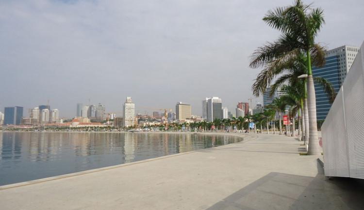 Hledá se nejdražší město světa: Paříž? Moskva? New York City? Singapur? Samá voda….