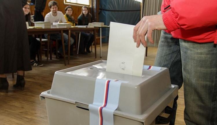 Volby se blíží, veřejné prostředky v obcích jsou v permanenci