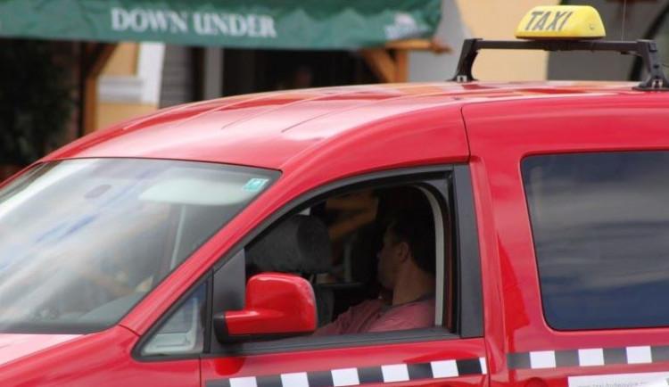 Praha vybrala nové správce stanovišť taxi, vydělá 12,3 milionu