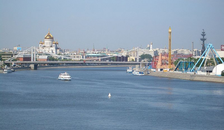 Praha pozastvila partnerství Moskvě a Petrohradu