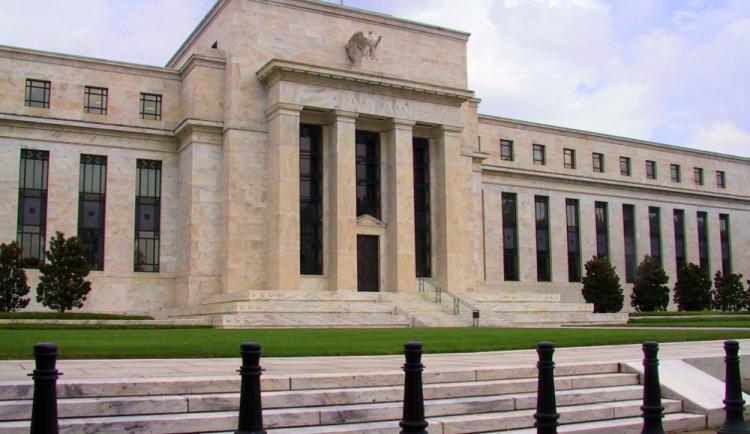 Glosa dne: Má Fed stále dostatek času na zvyšování úroků? Odpověď čekejme večer