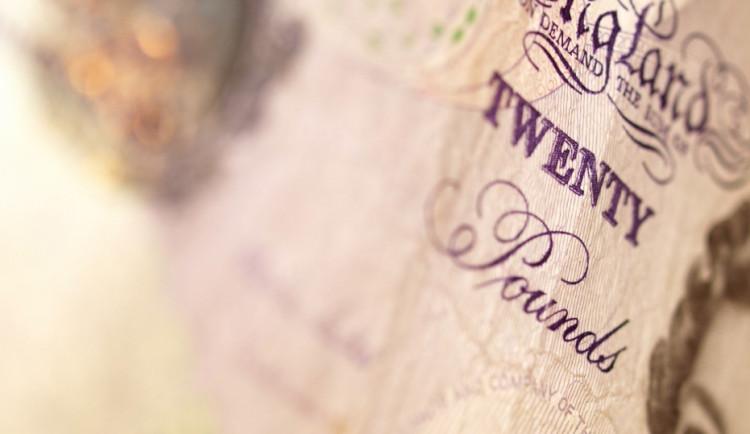 Glosa dne: Skotská nezávislost: otázka měny, dluhu a ropy