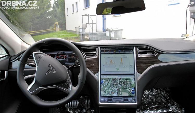 Interiér amerického elektromobilu