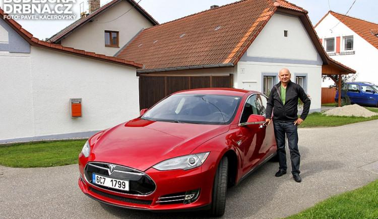 Pavel Schwarz se svým novým vozem