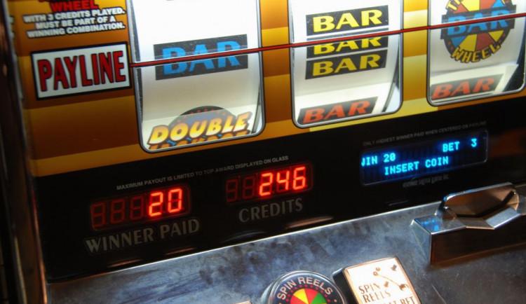 Hrací automaty zmizí z restaurací a benzinek, navrhuje nový zákon