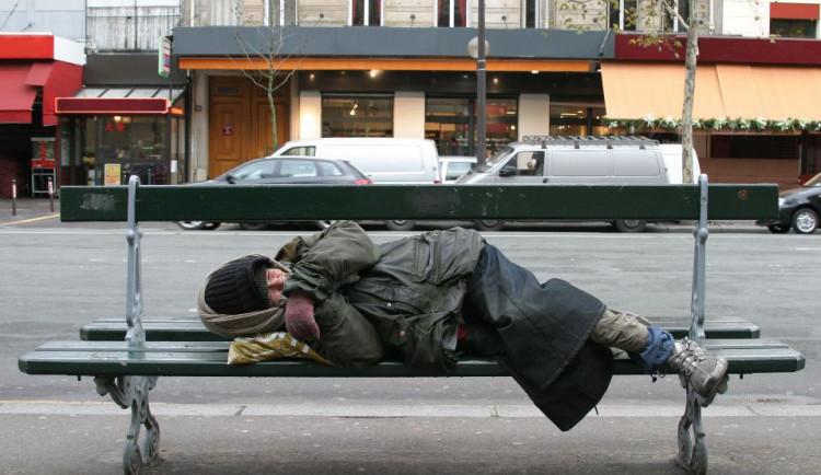 Špidla: Společnost musí vnímat chudobu jako absolutní zlo