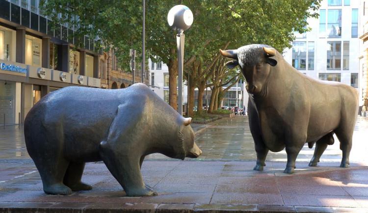 Glosa dne: Strach z Evropy vyhání býky z trhů