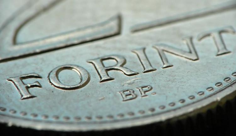 Glosa dne: Maďarská úroky nezmění, silný forint se na konci roku může hodit