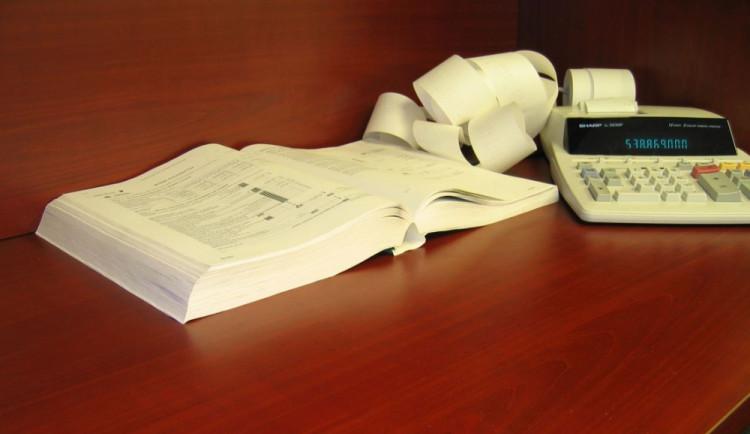 Poslanci rozhodnou o znění novel o DPH a o lázních