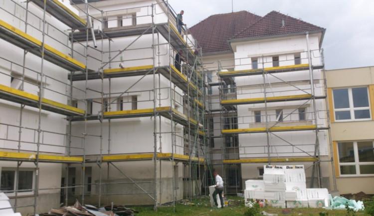 Webová kalkulačka vypočítá cenu zateplení fasády budovy