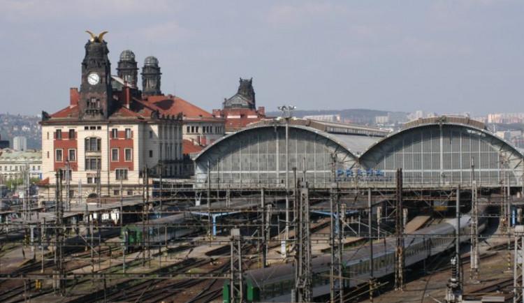 Střechu hlavního nádraží čekají opravy za půl miliardy. Některé vlaky budou odkloněny