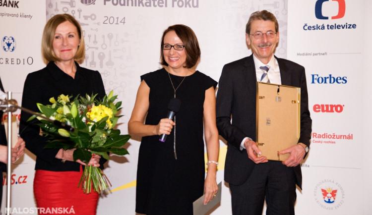 Magdalena Souček z EY, primátorka Krnáčová a Jiří Hlavatý, Podnikatel roku 2013