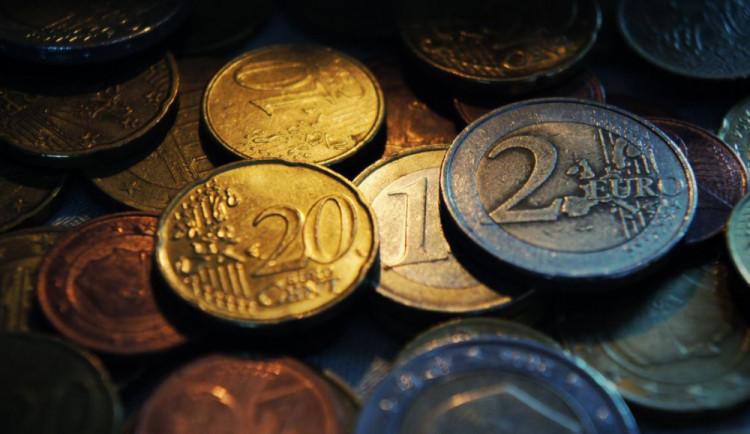 ODS chce, aby Senát podpořil referendum o přijetí eura v ČR