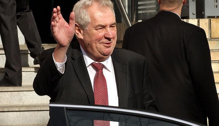 Politici kritizují Zemana za jeho výrok, Rusové jej naopak chválí