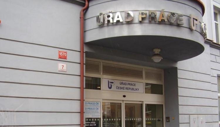 Nezaměstnanost v Praze v březnu klesla na rovných pět procent
