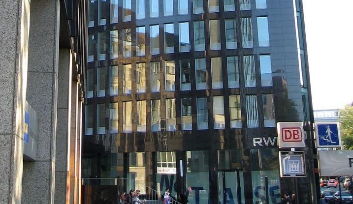 Skupině RWE loni v ČR klesl zisk o 30 procent na 7,4 miliard korun