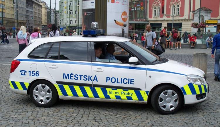 Pražským strážníkům chybí 245 lidí, další odejdou koncem roku