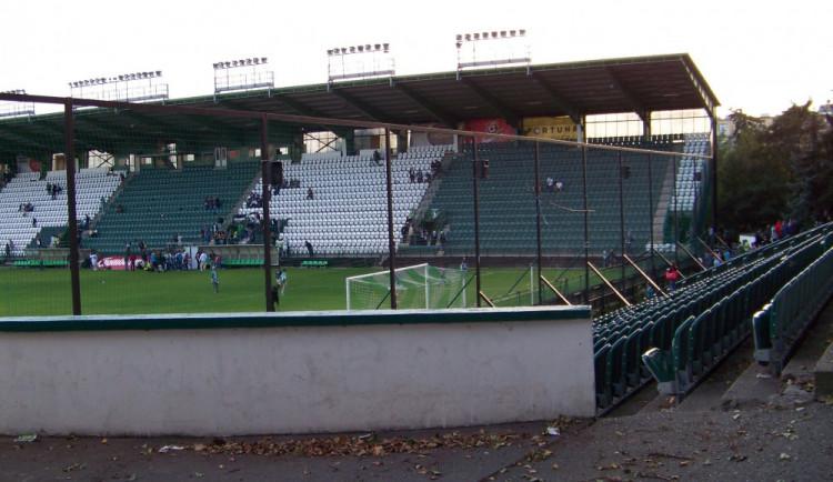 Fotbalové stadiony z veřejných peněz? Nesmysl