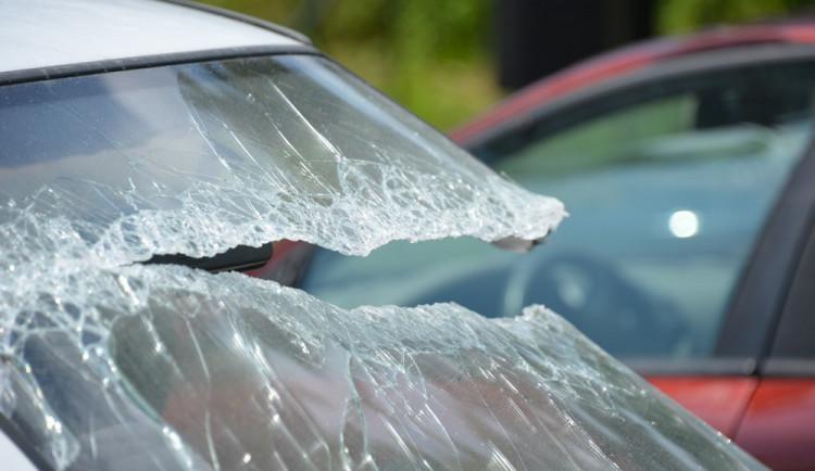 Nebezpeční mladí a začínající řidiči. (Ne)zvratná realita?