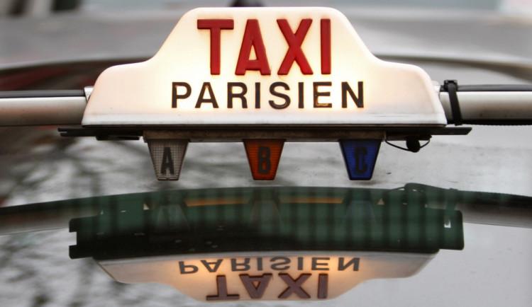 Protesty francouzských taxikářů proti UBER? Absurdní přehlídka vlastní bezradnosti