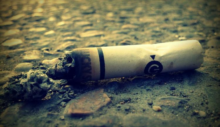 Kouříte za volantem? Čelíte dvakrát vyššímu riziku účasti na dopravní nehodě