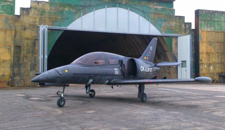V novém letounu může armáda lépe a rychleji cvičit piloty