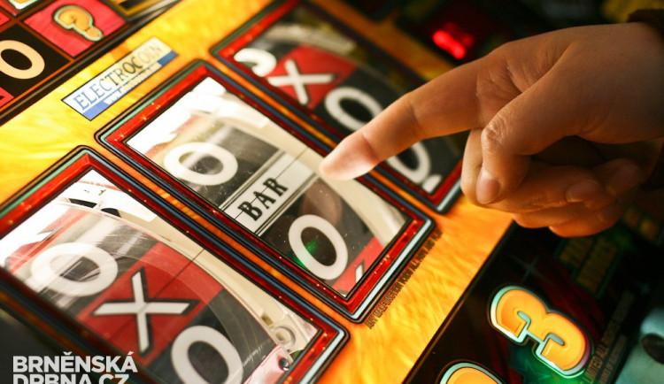 Senát zřejmě schválí nové zdanění hracích automatů