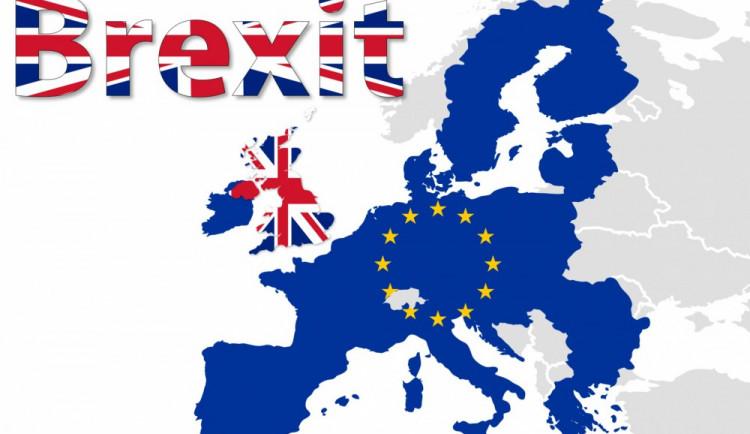 BREXIT: Tak dlouho se chodí v Bruselu pro formuláře, až se Velká Británie odtrhne