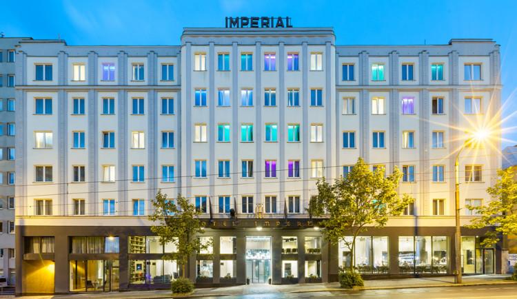 Grand Hotel Imperial - čelní večerní pohled