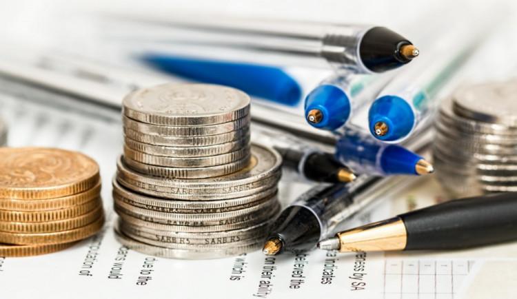 KOMENTÁŘ: Sektorová daň je totální nesmysl. Proč? Zde je pět důvodů