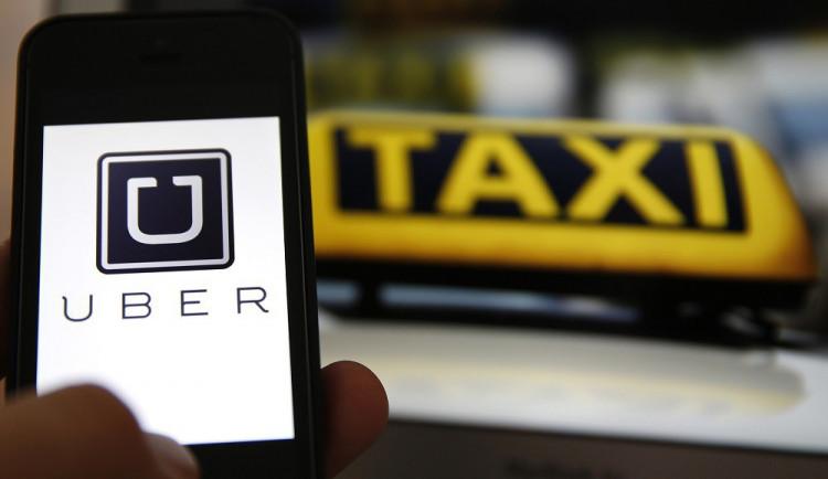 Praha a Brno společně zatlačí na ministerstva i premiéra, chtějí regulaci Uberu