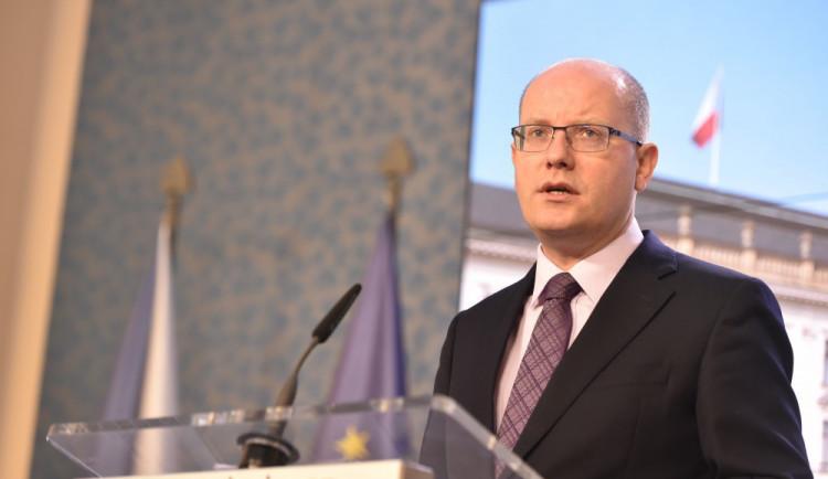 Premiér Bohuslav Sobotka oznámil, že vláda podá demisi