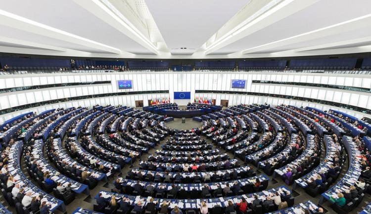 Europarlament bude řešit riziko politického zneužití médií v České republice