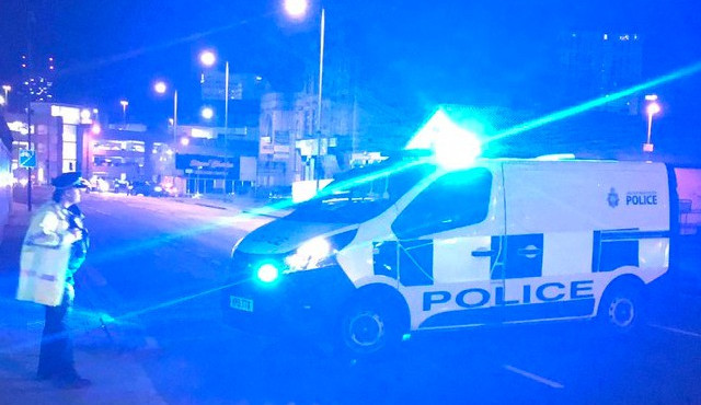 AKTUALIZOVÁNO: Při explozi na koncertě v Manchesteru zemřelo nejméně 22 lidí