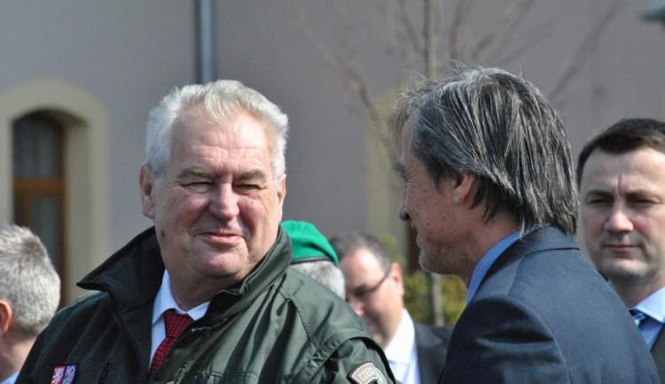 Prezident Zeman podepsal milost pro doživotně odsouzeného Kajínka