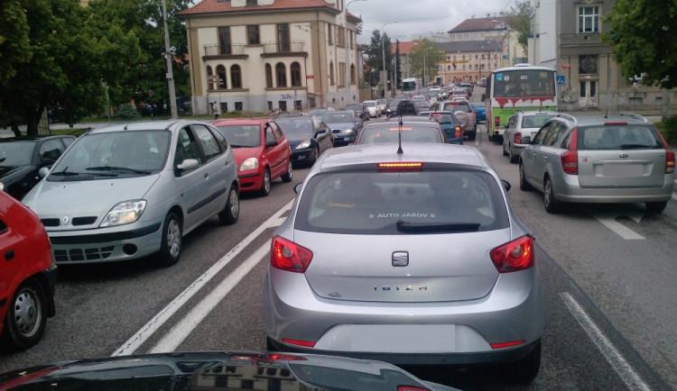 KOMENTÁŘ: Analogové Česko – novela zákona o silniční dopravě je krokem zpět