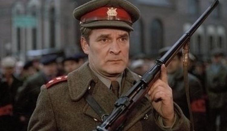 Zemřel herec Vladimír Brabec, filmový major Zeman