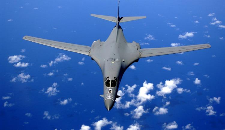 KLDR pohrozila USA sestřelením strategických bombardérů