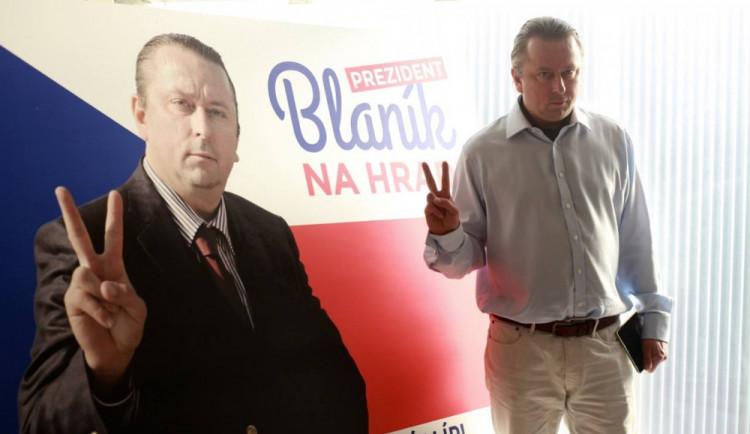 Fiktivní prezidentský kandidát Blaník slíbil lidem máslo