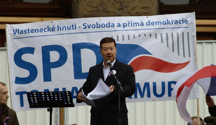 Okamura chválil v projevu Zemana, ten velebil SPD