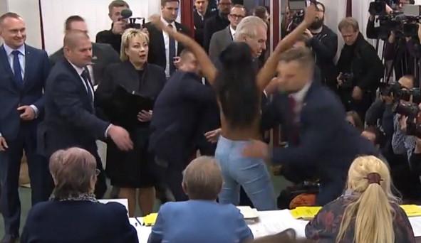 KOMENTÁŘ: Všichni prezidentovi muži
