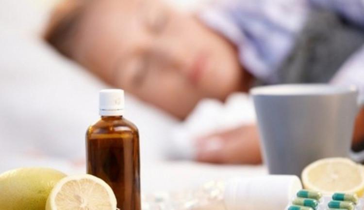 Chřipce už podlehlo třiatřicet lidí. Jen pět procent Čechů se nechává očkovat
