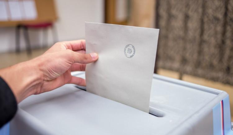 Vláda podpořila návrh referenda podle ČSSD. Hlasování o vystoupení z EU nebude