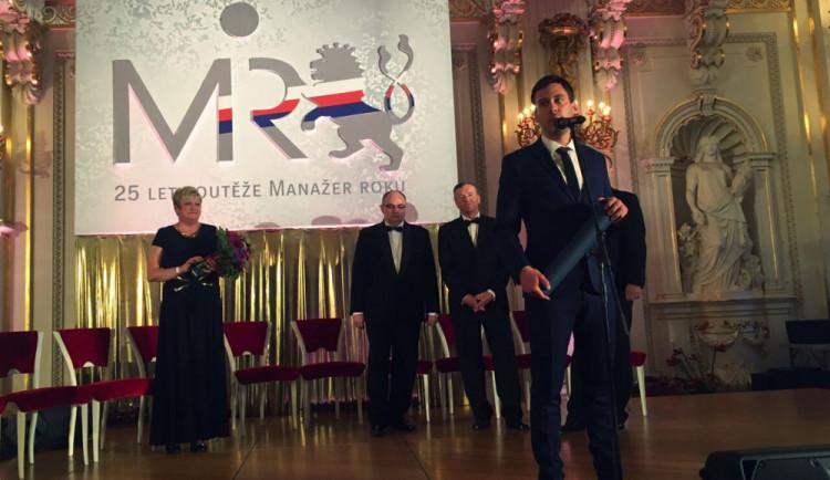 Ocenění Manažer roku převzal na Pražském hradě mladý Jihočech. Cenu dostal za inovace a baterie