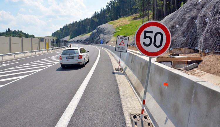 FOTO, VIDEO: Nová silnice otevřela. Cesta mezi Libercem a Jabloncem se zkrátí na minuty