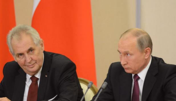 Český prezident kolaboruje s cizí mocností, říká znalec Ruska a europoslanec Jaromír Štětina