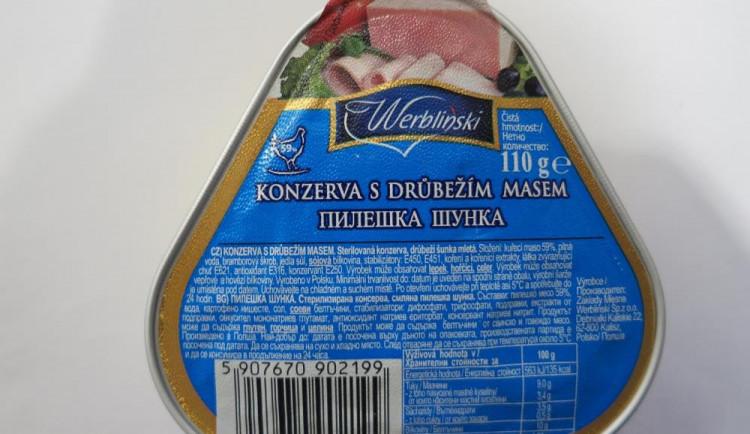 Inspekce odhalila další šizené konzervy z Polska. Prodával je Kaufland