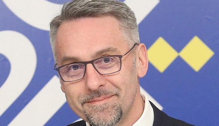 Ministr Metnar zůstává. Nejedná se o plagiát, říká o své diplomové práci