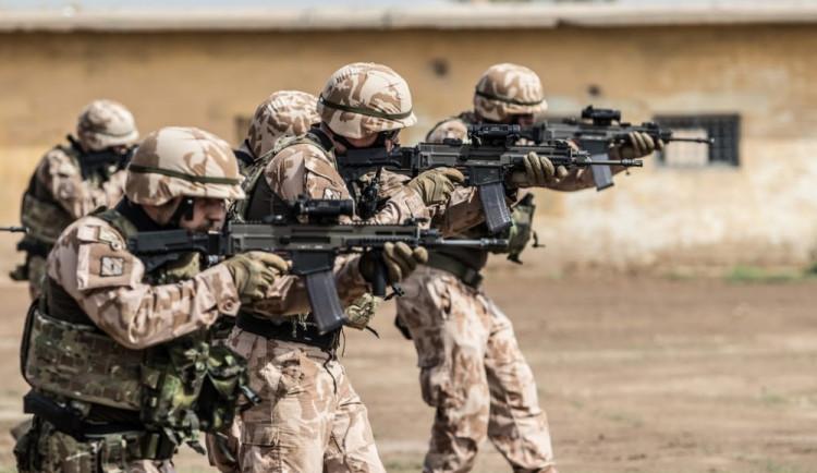 Tři čeští vojáci zemřeli při sebevražedném útoku v Afghánistánu